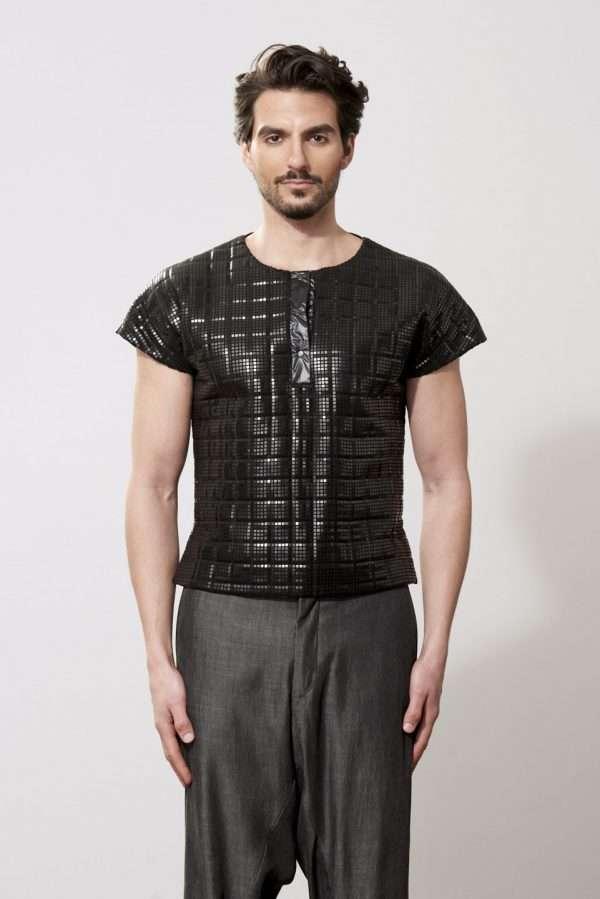 Neoprene and metallic fabric t-shirt, snaps